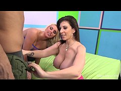 sara jay and cherry morgan get off live in hot threesome