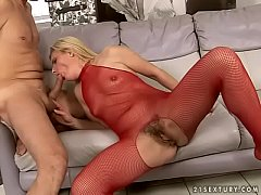 Slutty mature takes anal pounding