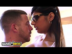 BANGBROS - Big Tits Arab Pornstar Mia Khalifa is Back and Hotter Than Ever!