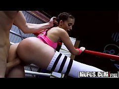 (Gia Paige) - Boxing Brunette Fucks in the Ring - Pervs On Patrol