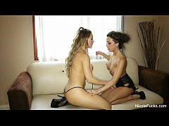 Nicole Aniston Fucks Abigail Mac