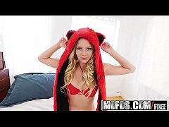 Mofos - I Know That Girl - Bubblegum Cutie Teases Her Man starring Lilly Sapphire
