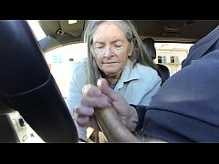 HD granny blowjob in car - cum