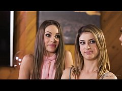 Squirting lesbian triangle - Kimmy Granger, Melissa Moore and Kristen Scott