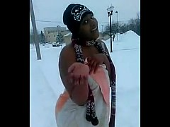 chick get s naked just to do the snow challenge. smh