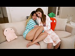 Harriet Sugarcookie makes a lesbian sex-tape with Russian teen Jemma