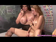 Kinky stepfamily blow dude in classroom