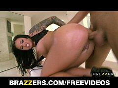 Incredibly HOT tattooed brunette Christy Mack oiled up for anal