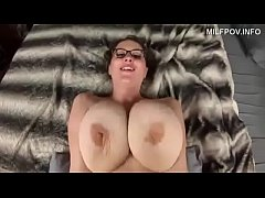 the huge boobs of my mom - DEALINGPORN.COM