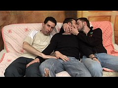 Damaged-Gay - Twinky And The Brian - scene 5