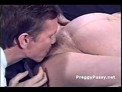 Older pregnant whore pussylicked and deepthroats cock