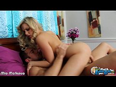 Round assed Mia Malkova take cock