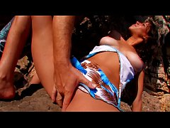 amateur scene, her wet pussy gets opened on the beach by a passerby