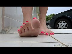 Dirty Soles Walking in the City Part 1- www.prettyfeetvideo.com
