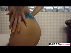Babes - Opposites Attract  starring  Karol Lilien and Vanessa Decker clip