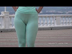HD Cameltoe while jogging.