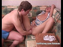 Teen Brunette Pussy Fisting Addict