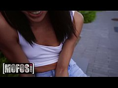 Publick Pickups - (Oliver Flynn, Alexis Tae) - Alexis Is A Tease - MOFOS