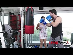 Boxing trainer prefers fucking busty babe Angela White in doggy style GP652