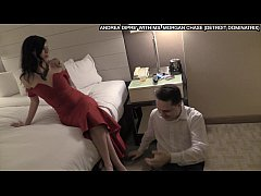 Ballbusting: Ms. Morgan Chase kicks Andrea Diprè in the balls
