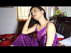 desimasala.co - Beautiful young girl feeling horny while bathing