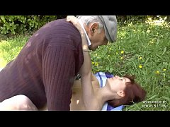 Clip sex Pretty amateur young french redhead banged by oldman voyeur outdoor