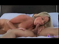 Milf Gives Good Head