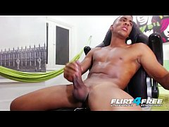 Clip sex Tato Gari - Flirt4Free - Blatino Hunk Gives His BBC Some Self Love
