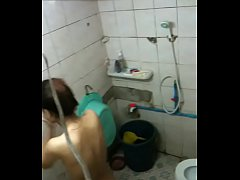 bathinggirl.MOV