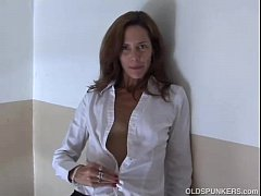 Clip sex Gorgeous mature red head in stockings