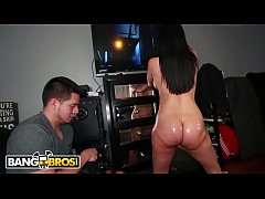 BANGBROS - MILF Sheila Marie Gets Her Glorious Big Ass Fucked