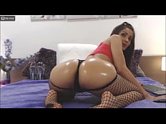 HD my ass is waiting for you in my bed - SarithaBrown webcam model