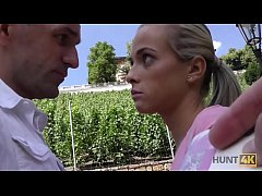 HUNT4K. Smart man finds pretext to buy sweet cunny of hot blonde