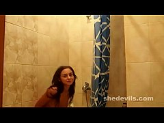 Ultra skinny Russian teen freakshow Dominika in the shower