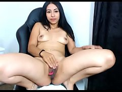 Hot girl vibrator shaking in pussy