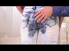 Anal fucking for blonde babe after pee desperation in denims