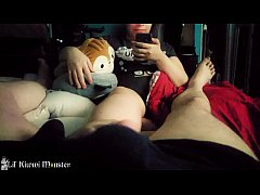 Clip sex Kiwwi gives your TINY dick a footjob while she plays with her PHONE. *Short*