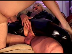 Aasian threeway with oiled babe