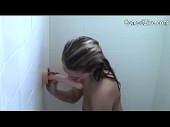 Webcamgirl Shower