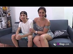 Clip sex Filipe's best waking material are Montse's videos. Today, he's banging her ;)