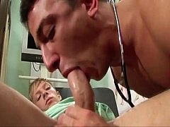 Patient craves for his cock to be sucked by doctor