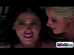 Auntie wakes up when stepdaughter cums by stepmoms fingering