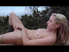 Nude in San Francisco:  Rosalind masturbates and toys in public