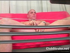 sdMuscular Straight Guy Dan Masturbating