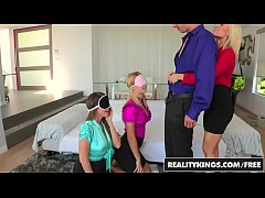 CFNM 4some with (Ash Hollywood, Natalia Starr, Brooklyn Chase) - Reality Kings