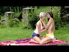 HD Playful Picnickers by Sapphic Erotica - Mellie and Camie lesbian outdoors sex