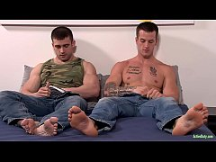 ActiveDuty Quentin Gainz Gets Barebacked By Beefy Newbie