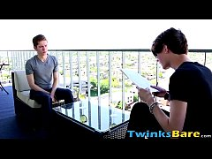 Horny hung twink Dakota White is back for more barebacking
