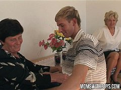 sdMature Ladies Teaches A Young Boy With Sex Education