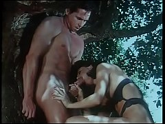 Giovani incredibili amplessi (full porn movie)
